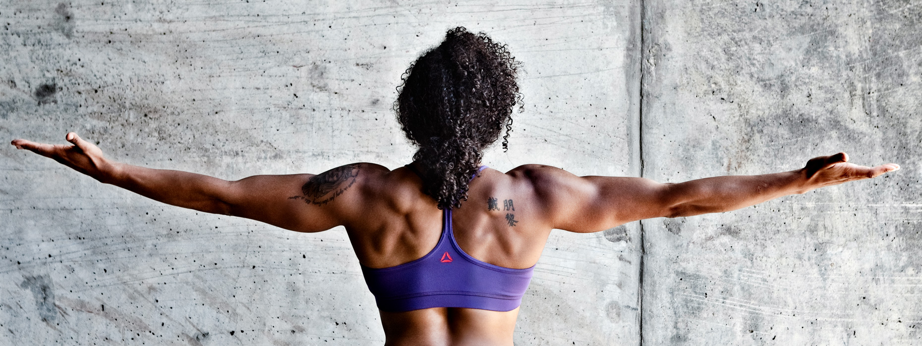 Los Angeles Sports Photography, Michael Brian, female,  Elisabeth Akinwale, Reebok Crossfit Games athlete, out stretched arms, back muscles