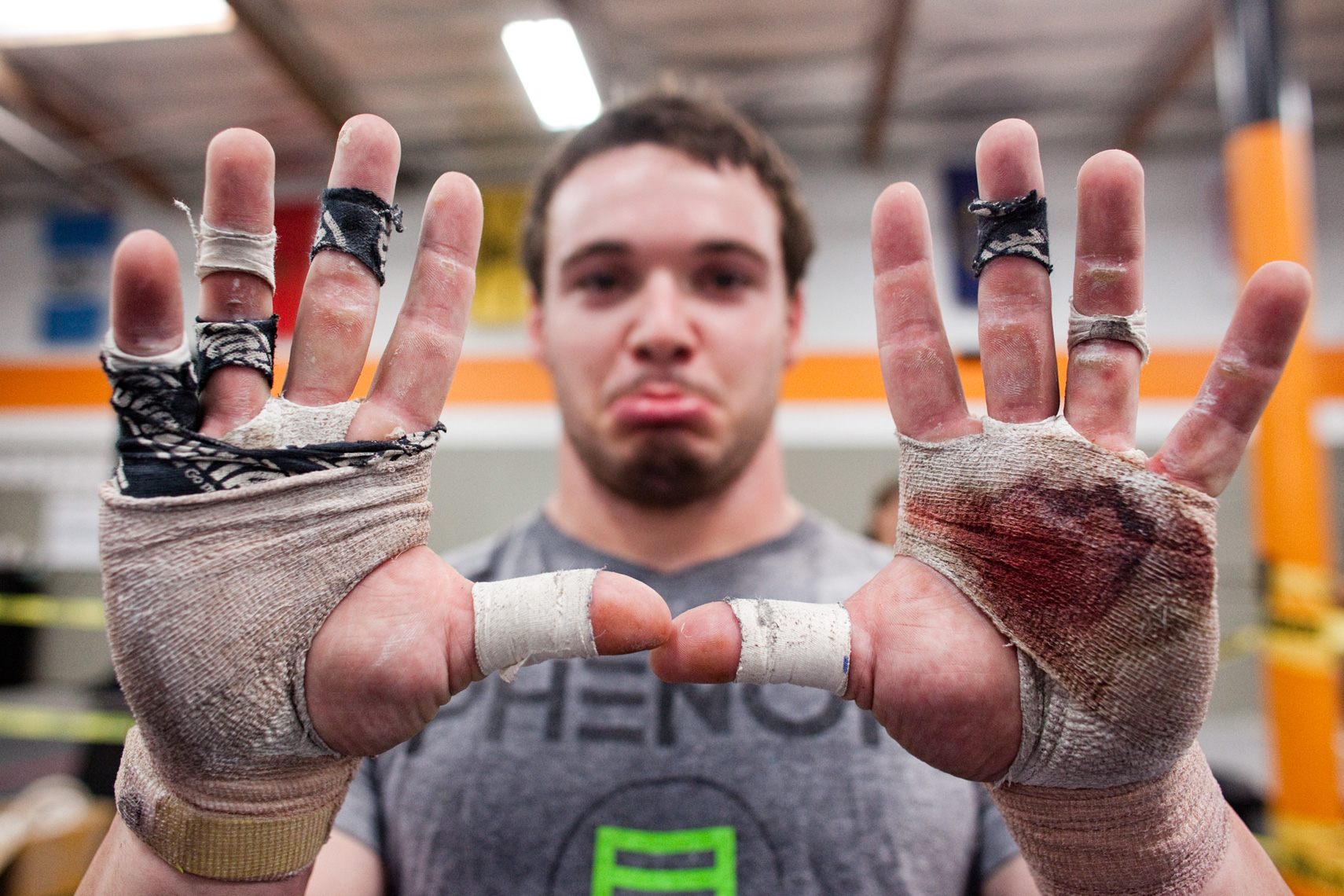 Ryan Fischer, Crossfit athlete,Los Angeles Sports Photography, Michael Brian, bloody hands, Crossfit Chalk