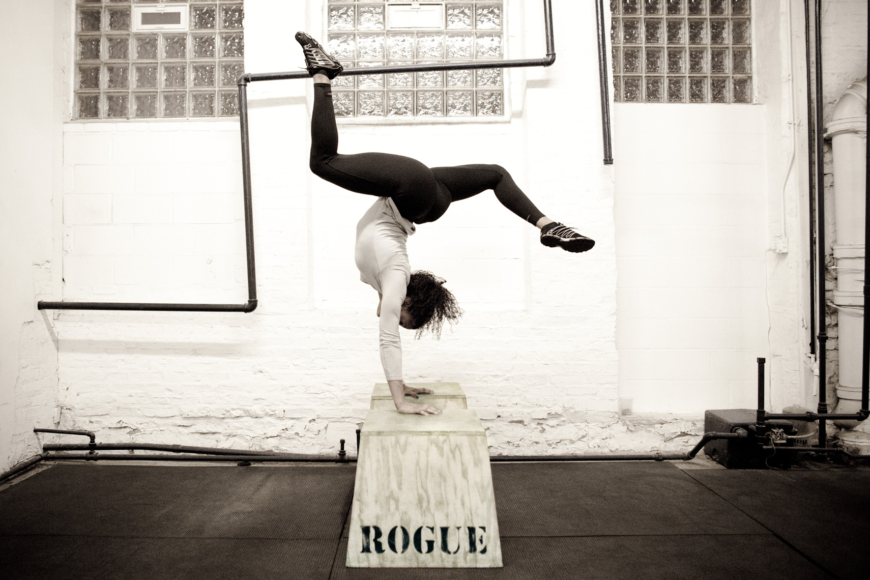 Los Angeles Sports Photography, Michael Brian, female, Elisabeth Akinwale, Reebok Crossfit Games athlete, handstand on box, Chicago, Sweat RX Magazine