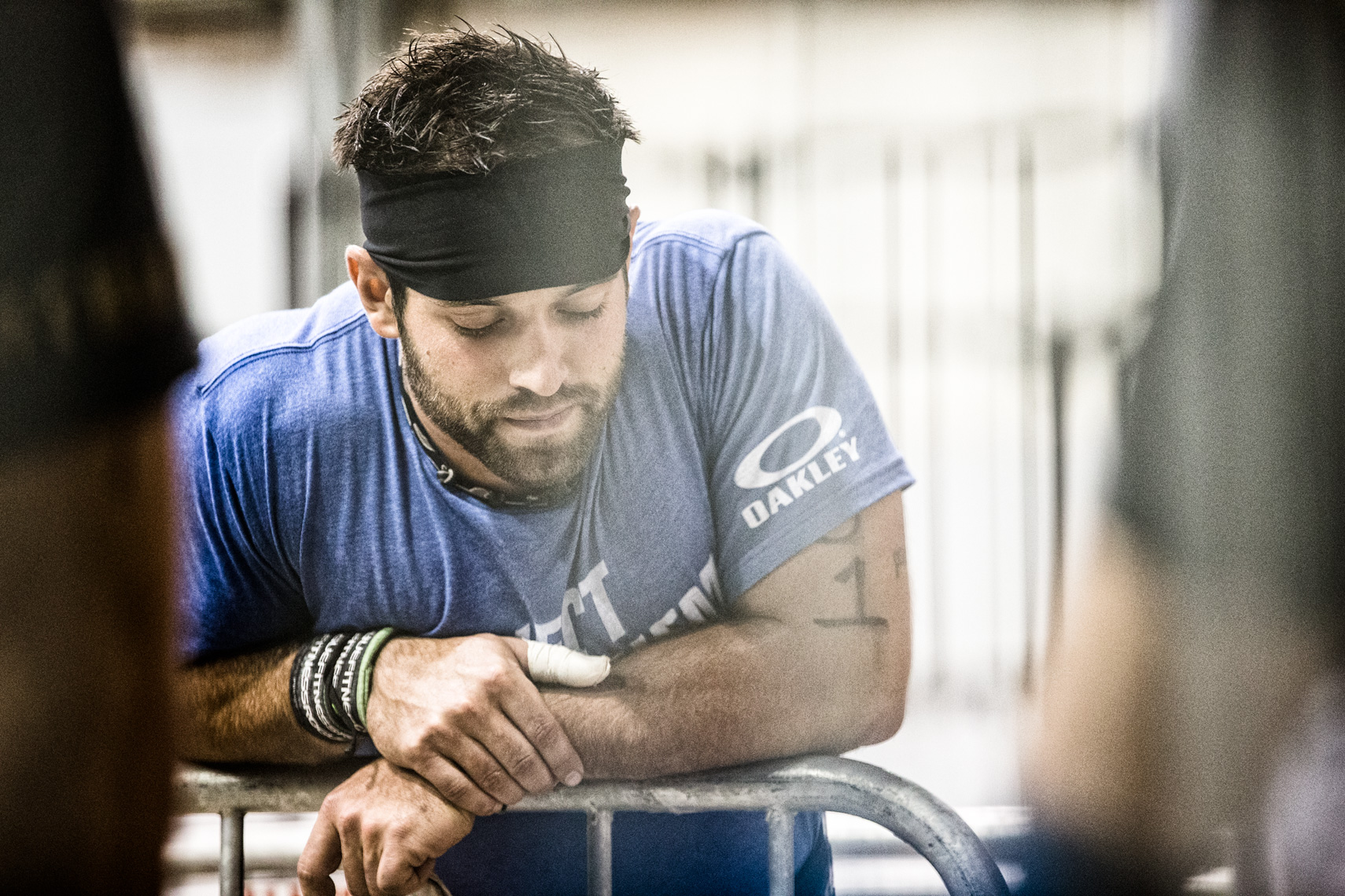 Los Angeles Sports Photography, Michael Brian, athlete, Rich Froning, Fittest Man on Earth, Reebok Crossfit Games Champion, Rogue, prayer, meditation, pre WOD quiet moment